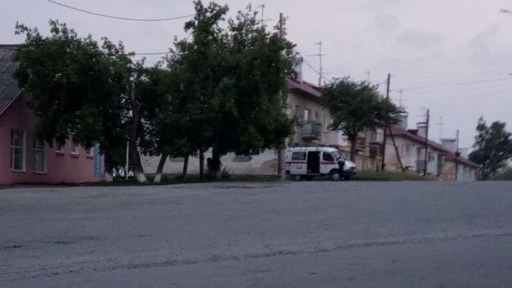 «На улице пахнет газом, дышать невозможно»: в Нейво-Рудянке на заводе произошла утечка щелочи