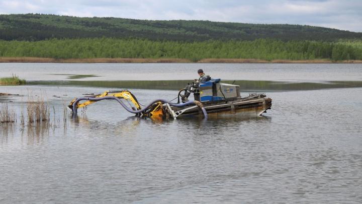 На ВИЗе озеро с говорящим названием Здохня очистят от вредных веществ, которые в него сбрасывали