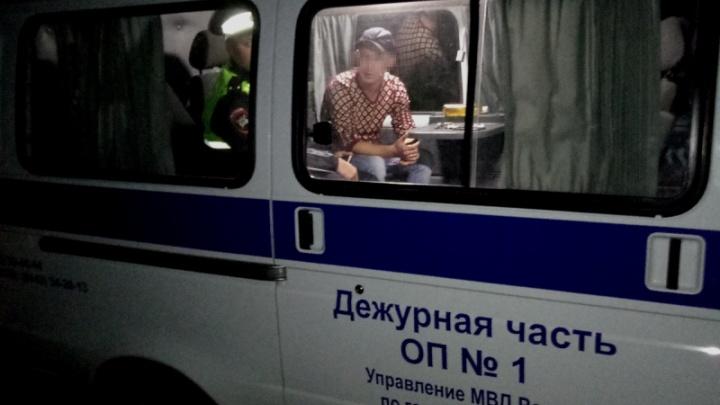 «Только познакомились, а уже ограбил»: волгоградский грабитель-рецидивист убежал с кошельком девушки
