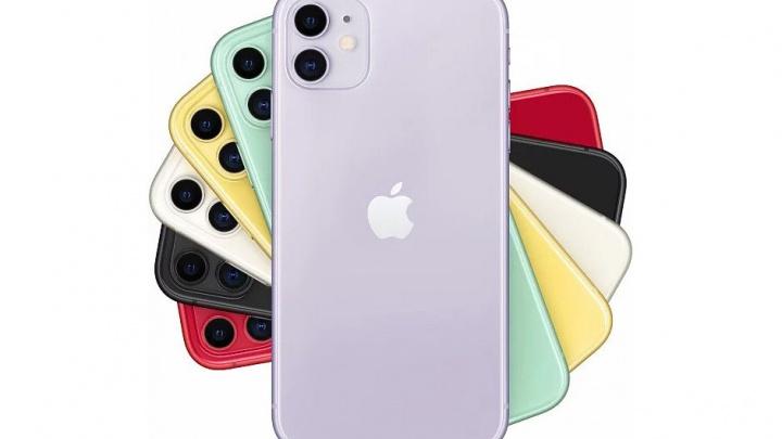 Новосибирцы бросились покупать фиолетовые и зелёные айфоны новой модели