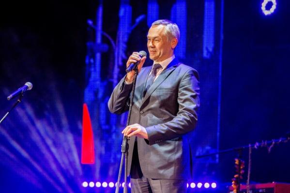 Андрей Травников на церемонии награждения первой «Народной премии НГС»