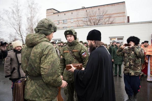 Передача мощей воинскому храму имени Димитрия Донского