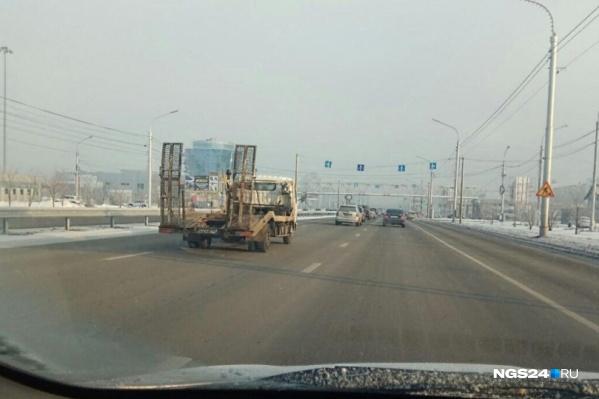 Всего в Красноярске выделена 21 полоса для общественного транспорта