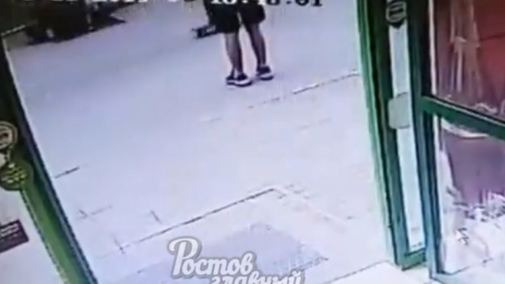 Итог — сотрясение мозга: в Ростове у супермаркета произошла драка