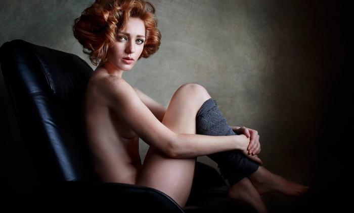 В профиле девушки гораздо больше красивых фото, чем откровенных