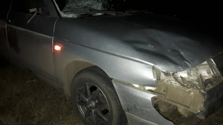 В Самарской области водитель ВАЗа сбил насмерть пешехода на краю трассы