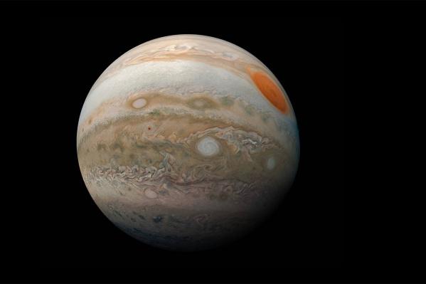 Юпитер выходит в противостояние с Солнцем раз в 13 месяцев