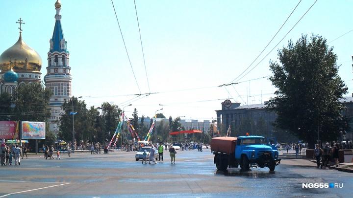 В Омске подрядчик за месяц смог нанести разметку только на одной улице из тридцати