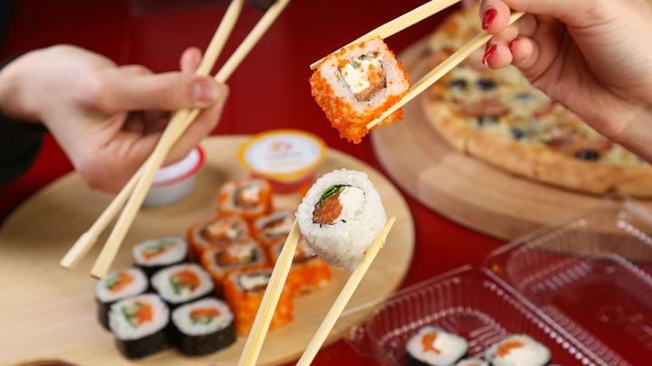Лайфхак для бережливых: как заказать еду в ресторане, но оплатить не всю