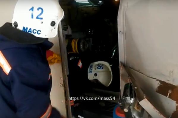 Воздух в гараже был сильно загазован, отметили спасатели