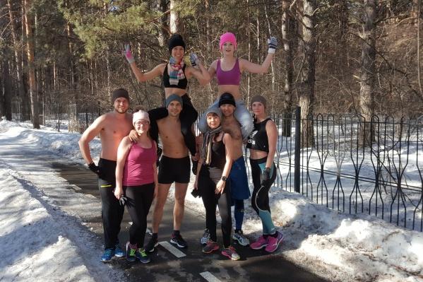 Каждый год к команде Антона присоединяются новые любители зимнего бега