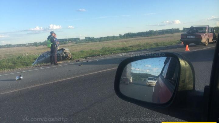Авария на трассе в Башкирии: лоб в лоб столкнулись две легковушки
