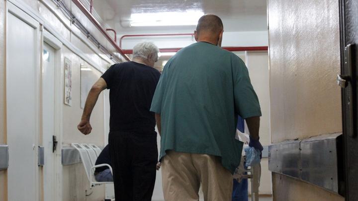 Заключённый, который жаловался на отсутствие лечения в тубдиспансере, умер