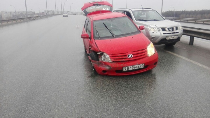 Водитель «Тойоты» скрылся после ДТП на Советском шоссе: пострадала девушка