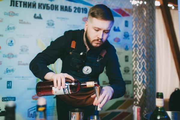Представитель новокузнецкогококтейль-бара Indica Михаил Мусохранов