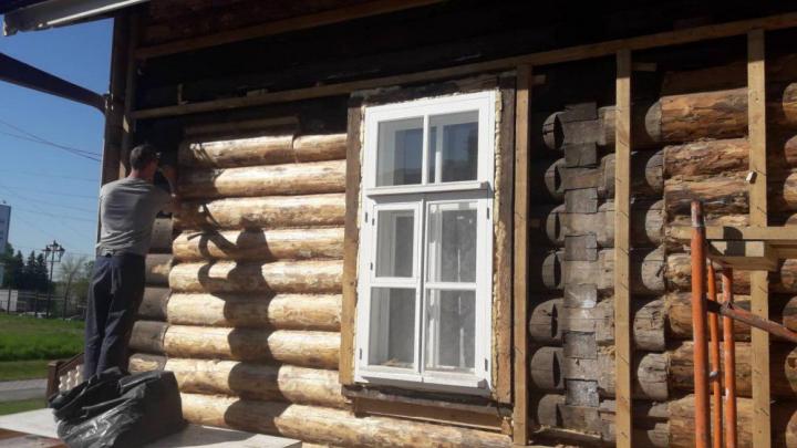С одного из первых домов Новосибирска содрали облицовку