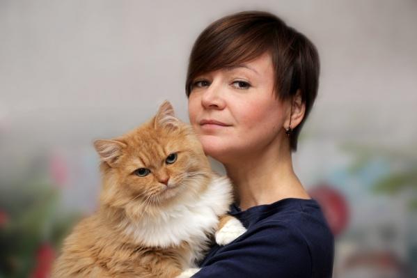 Дома у Светланы живут три кота