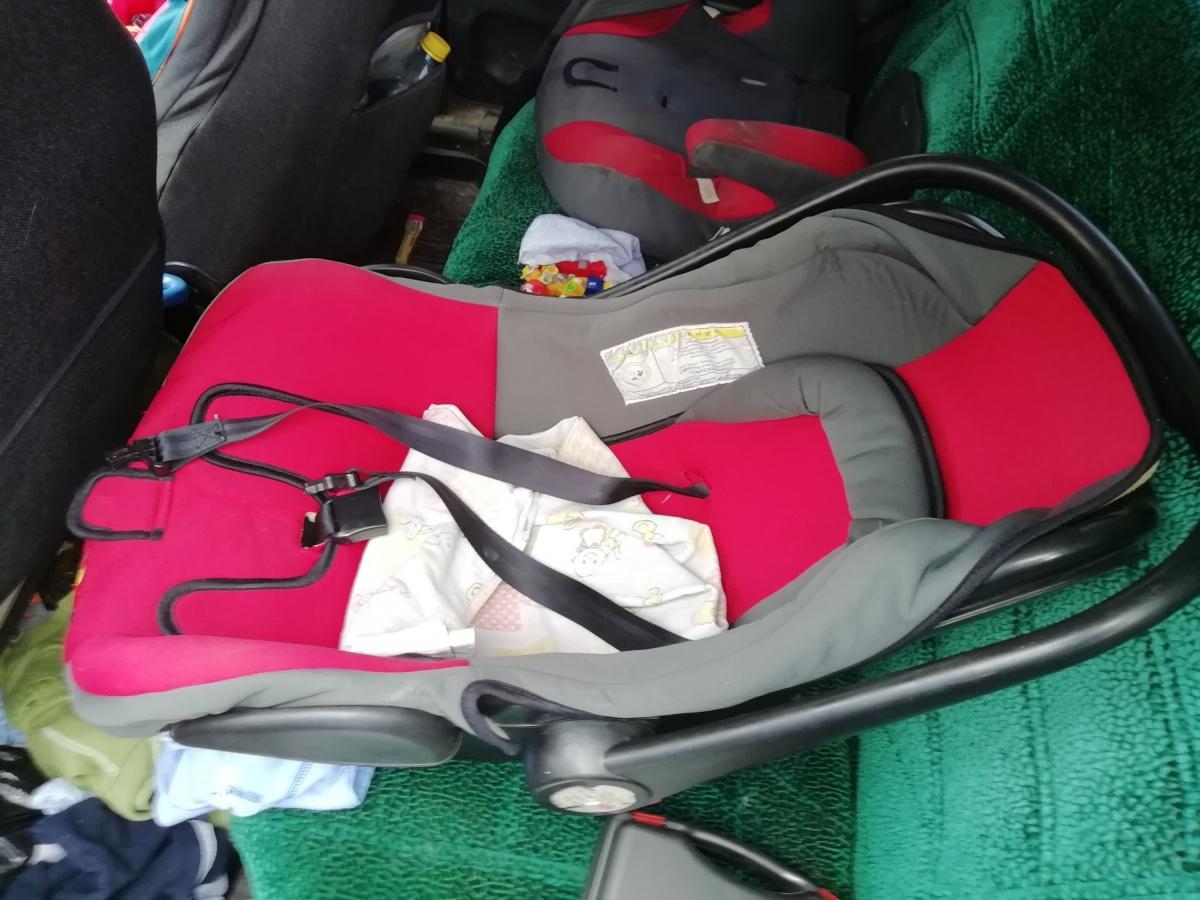 Детей перевозили в детских креслах