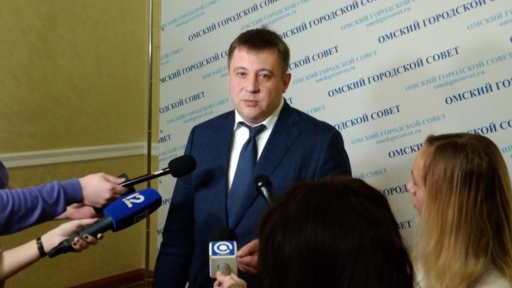Директор «Омскэлектро» объяснил, почему купил новые машины для предприятия с долгами