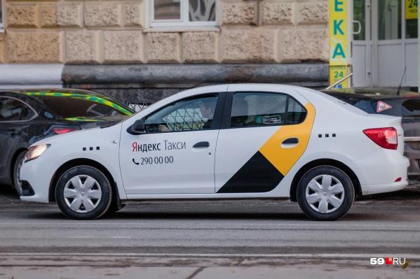 «Яндекс.Такси» чаще всего передавал заказы нелегалам