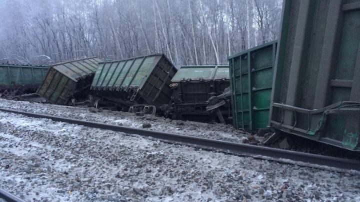 На границе с Башкирией сошли с рельсов 17 вагонов