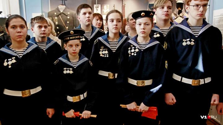 «В Астрахани остались такие богатства»: в Волгограде показали уникальные экспонаты петровских времен