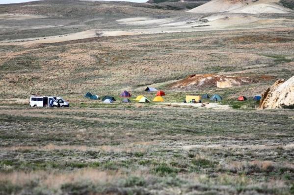Участники экспедиции проводили на разных участках кратера по несколько дней