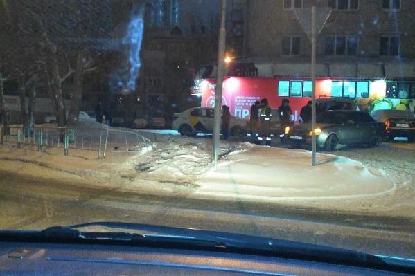 ДТП случилось утром 1 января у дома №38 по улице Проезд Геологоразведчиков