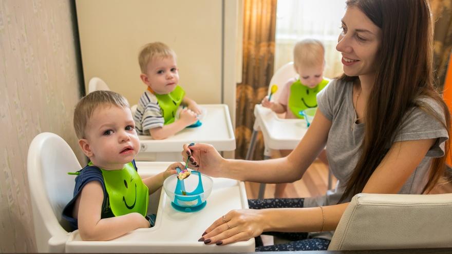 Родителям рожденных в 2019 году близнецов напомнили о возможности получить выплаты за ребенка