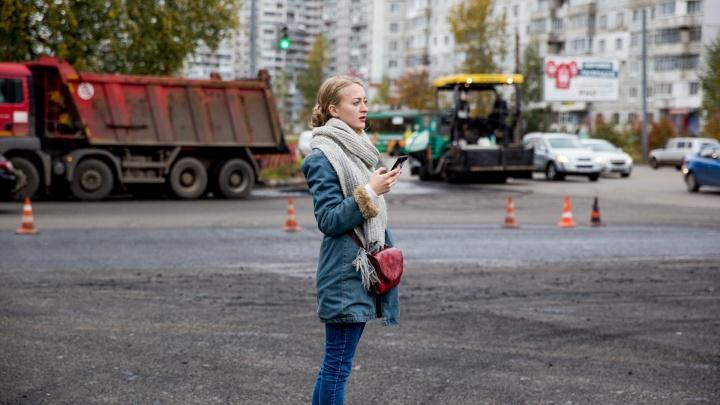 Волнистый асфальт: подрядчик провалил сроки по ремонту Ленинградского проспекта