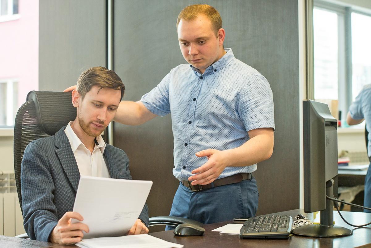 Для того чтобы признать себя банкротом, нужно обратиться к профессиональным юристам