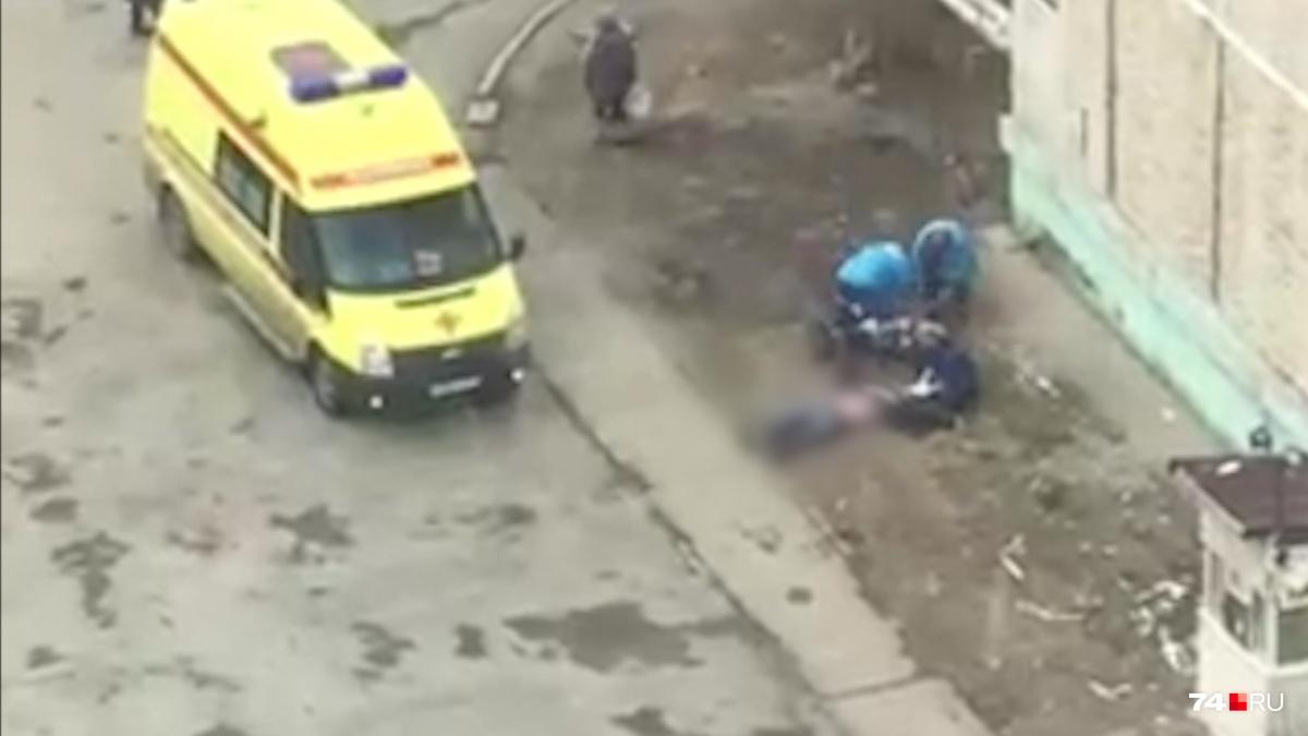 Предварительно, двое мужчин употребляли наркотики в квартире на Северо-Западе Челябинска