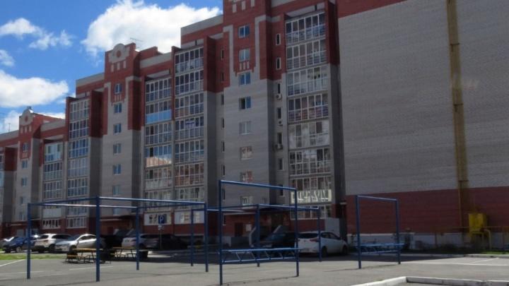 Семейная ссора закончилась для тюменца падением с третьего этажа