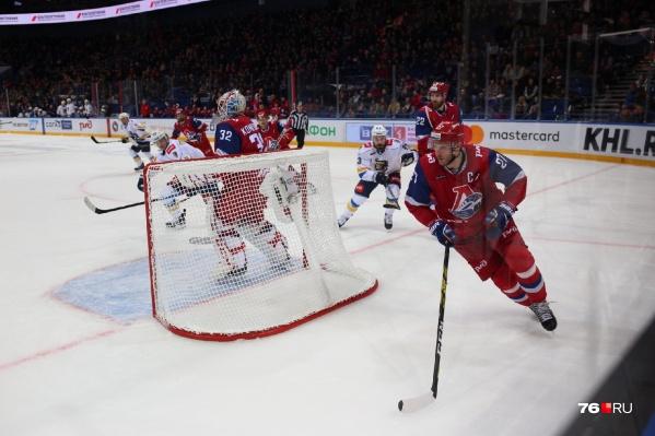 На протяжении всей встречи «Локомотив» и «Сочи» показали равную игру