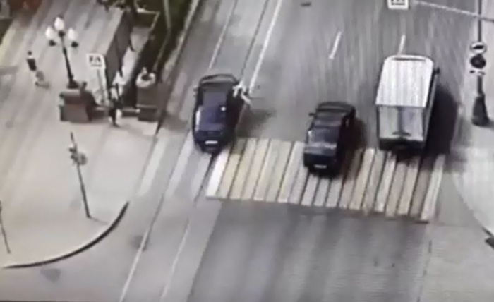 Водитель увидел пешехода в последний момент