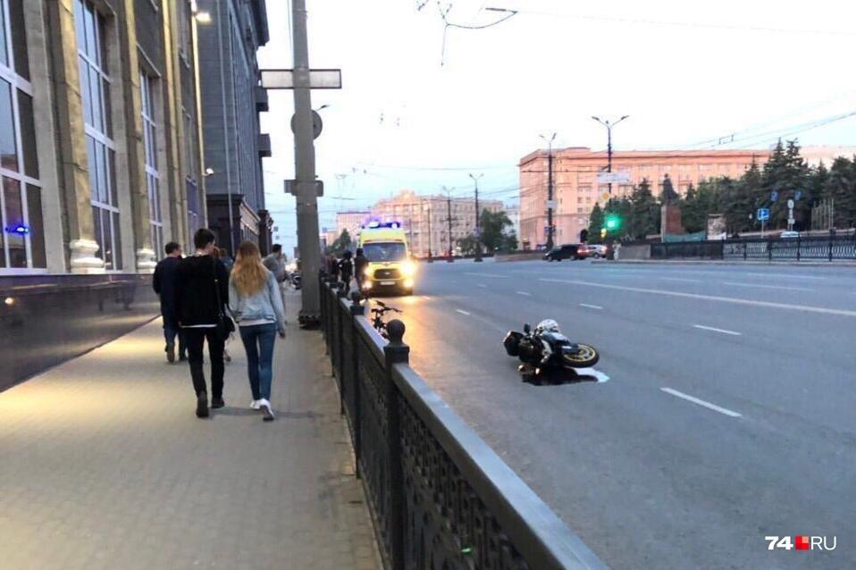 Авария произошла рядом с центральной площадью Челябинска