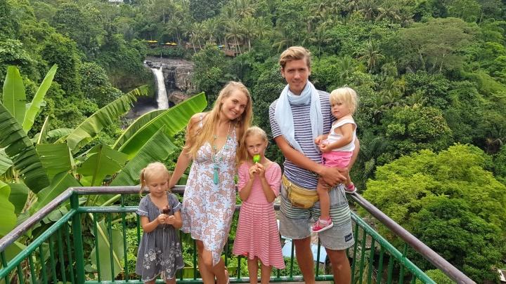 «Уезжали с 40 тысячами рублей»: челябинская семья с тремя детьми сдала жильё и перебралась на Бали