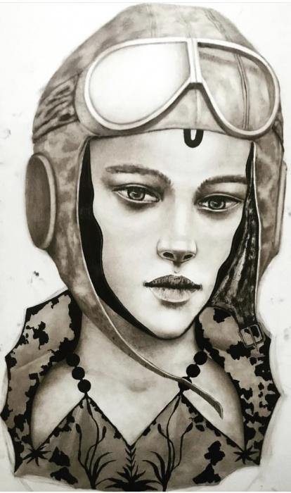 Екатеринбургская художница, переехавшая в Париж, нарисовала летчиц, похожих на моделей