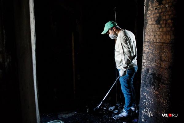 Огонь охватил дом в городе Михайловка сегодняшней ночью