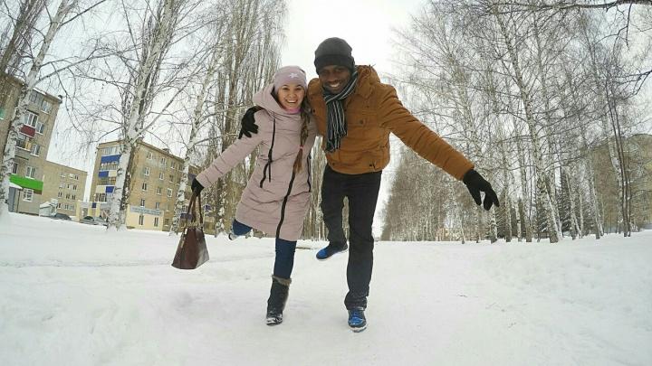 «В Намибии полюбили вак-беляш и баурсак»: невеста из Башкирии рассказала о браке с африканцем