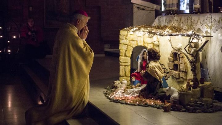 Католики отметили сочельник в Кафедральном соборе— смотрим 10 завораживающих кадров со службы