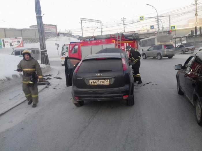 Машина загорелась во время движения по кольцу