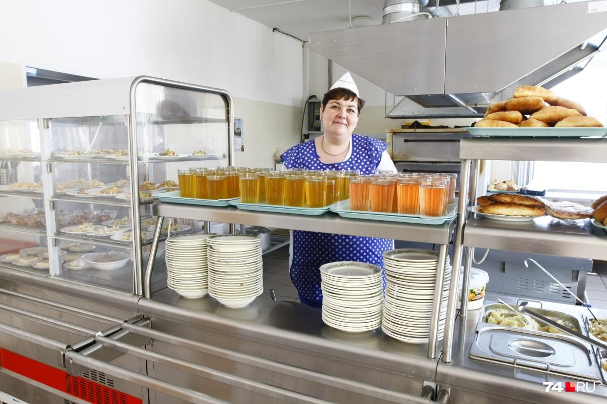 На поставках питания в школы фирмы-однодневки, как установила финансовая экспертиза, заработали десятки миллионов рублей