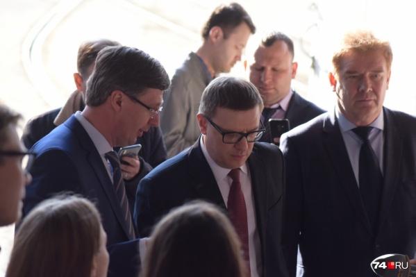 Алексей Текслер рекомендовал мэру принять кадровые решения, но Владимир Елистратов пока не готов расстаться со своими подчинёнными