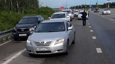 «Ценник взлетел выше, чем в Новый год»: во сколько обходится пассажирам такси поездка на «Иннопром»