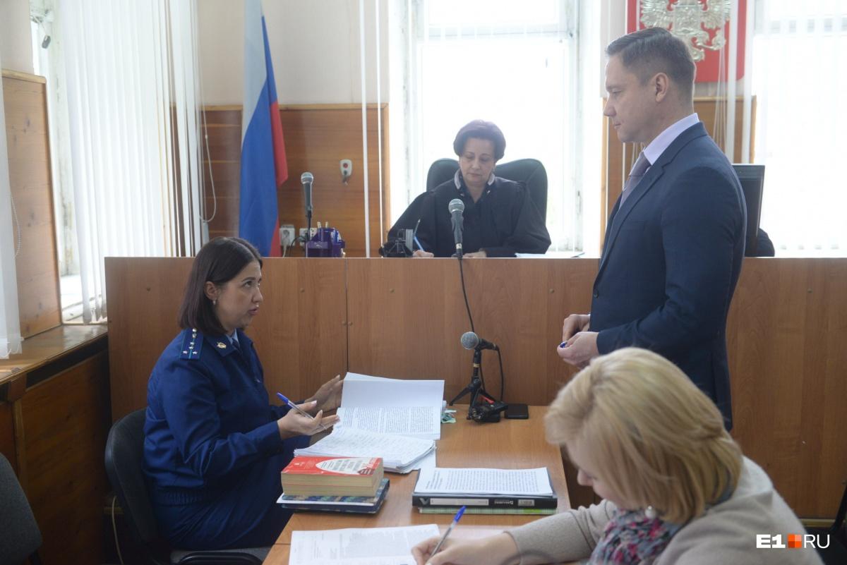 Прокуратура попросиладля беглого олигарха Капчука два года лишения свободы