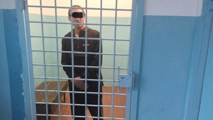 Одного подозреваемого задержали, второго — еще ищут: в Зауралье совершено нападение на пенсионерку