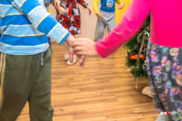О предоставлении места для ребенка родителям сообщат сотрудники детсада по телефону