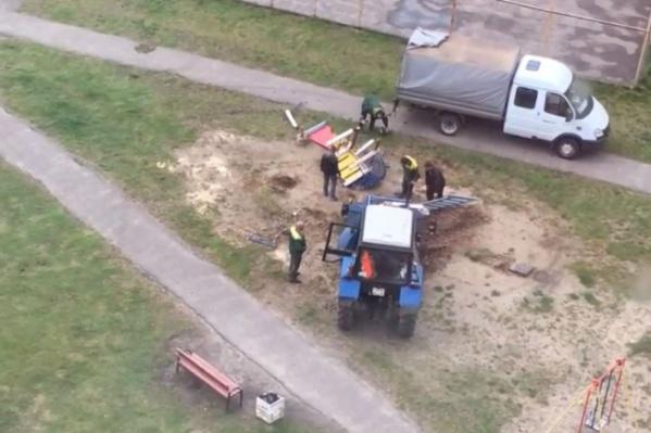 Городок снесли трактором