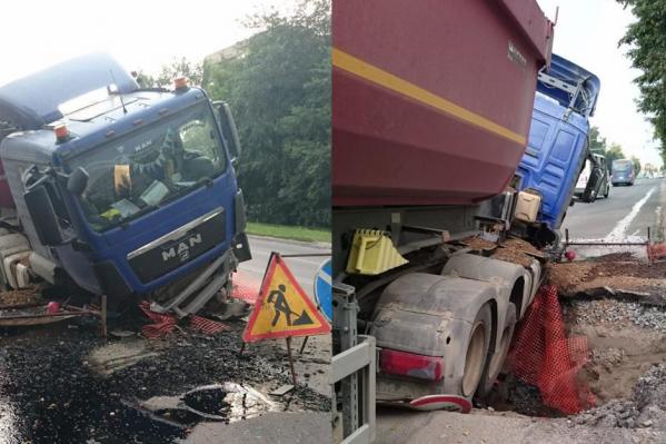 Водитель не заметил, что на дороге ведутся ремонтные работы